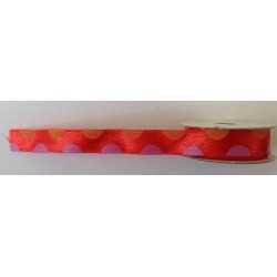 Ruban à pois sur fond rouge